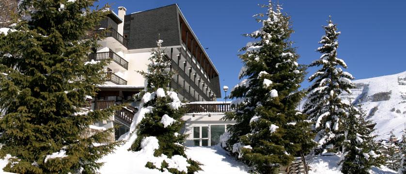 France_Les-deux-alpes_Hotel-ibiza_Exterior.jpg
